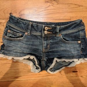 denim shorts w lace